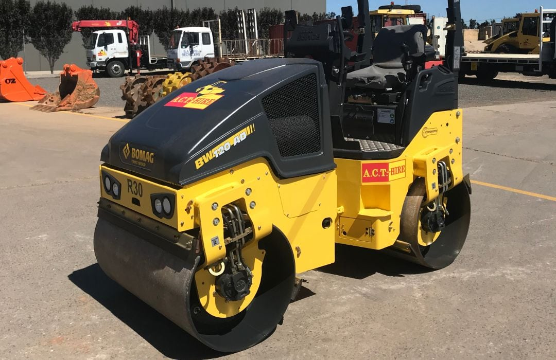 Bomag BW120AD5 2.8 Tonne Double Drum Roller (2)