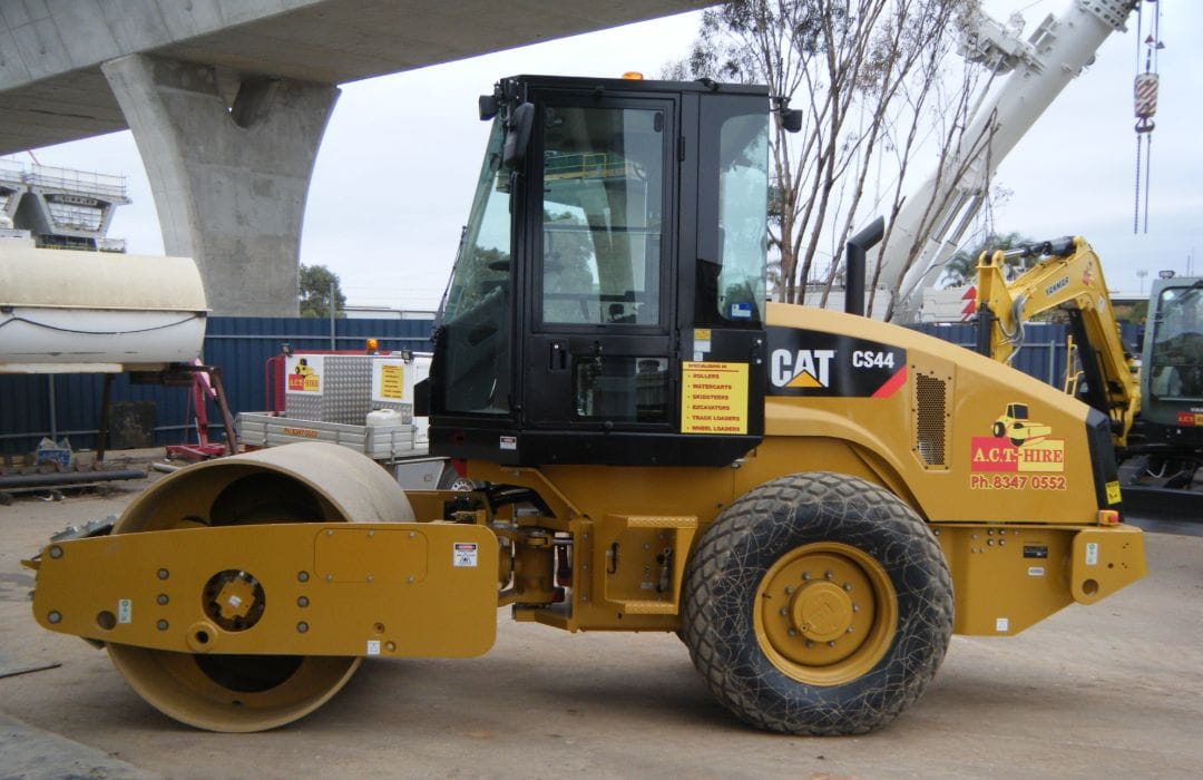 CAT CS44 8 Tonne Smooth Drum Roller